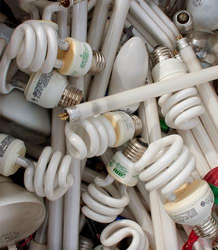 Destrucción de luminaria fluorecente - Grupo Ecológico MAC